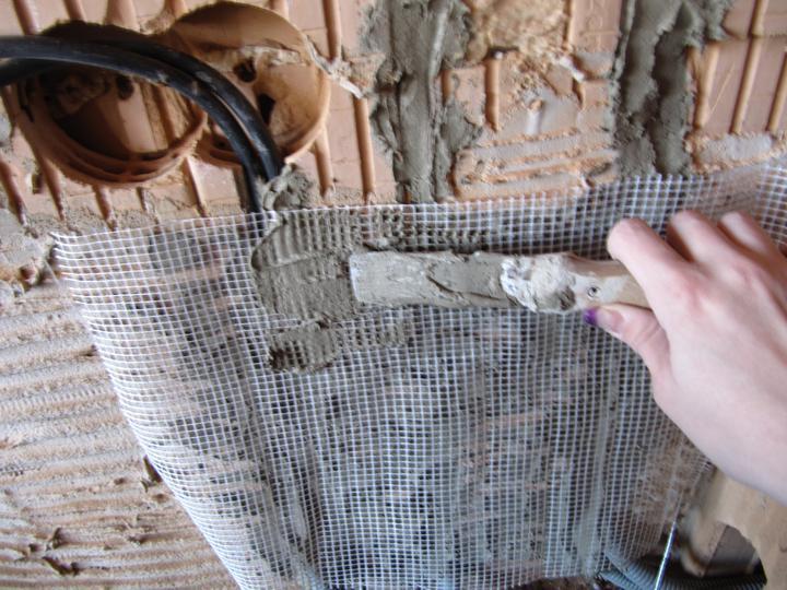 Stavba domu - perlinka - na doporučení, aby se netrhala omítkka