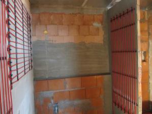 6.4.2011 stenove topeni v koupelně
