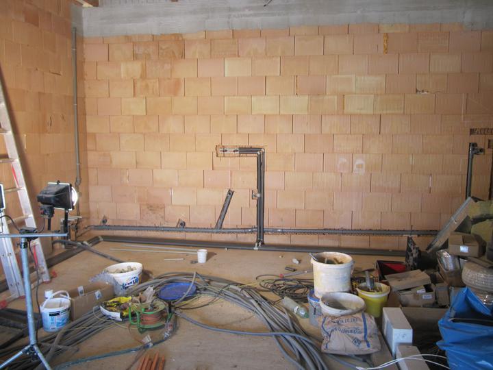 Stavba domu - 4.5.2011 práce v garáži