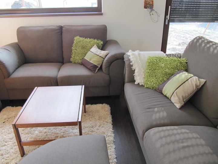 Obývací pokoj, jídelna a kuchyň realita - ladili jsme do zelena, ale to se mi uz ted nehodi