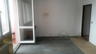 PRED - OBÝVAČKA - na tejto stene bude nábytok...kvôli oknám a dverám sa vymýšľať moc nedá