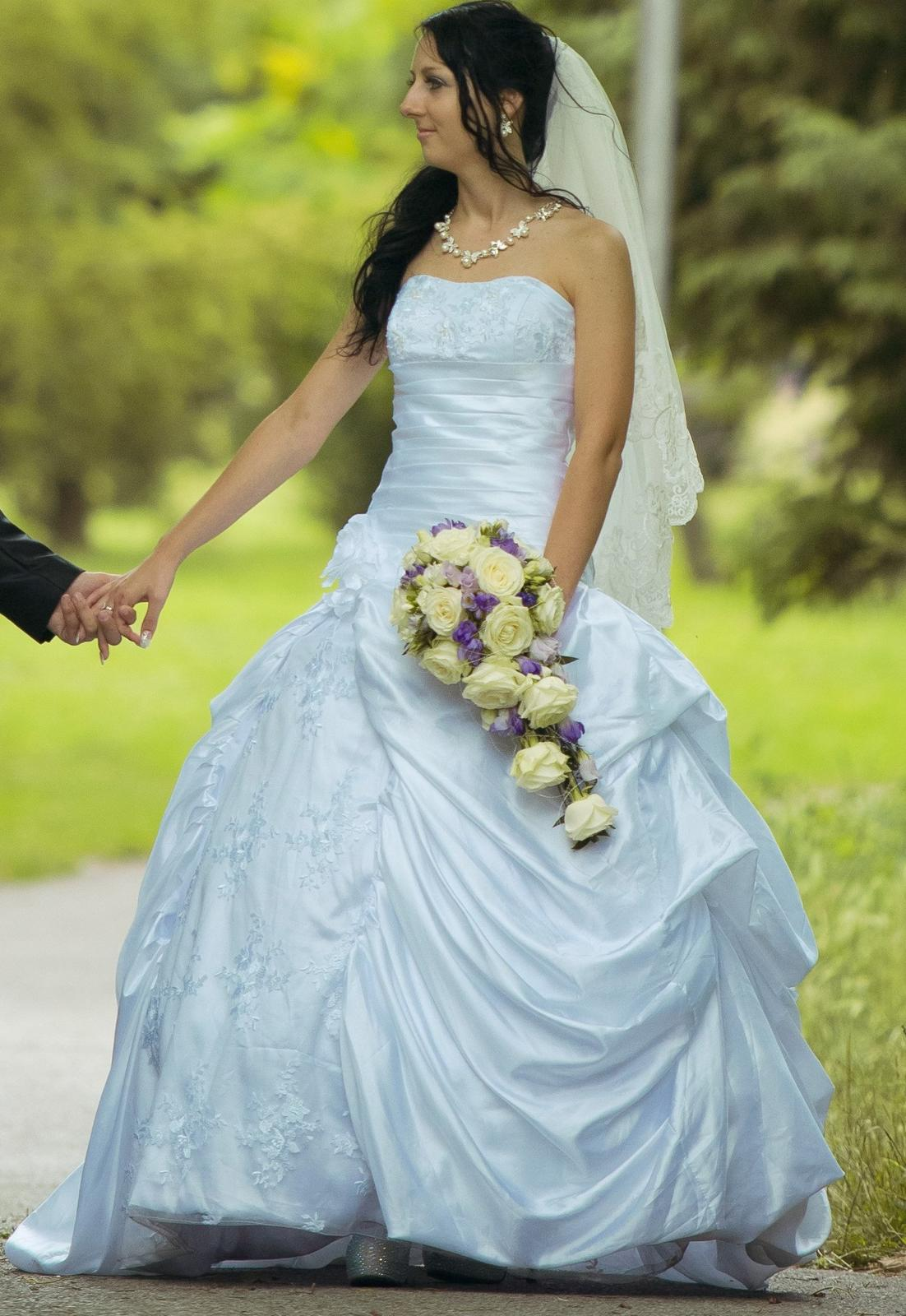 Jedenkrát oblečené svadobné šaty - Obrázok č. 1