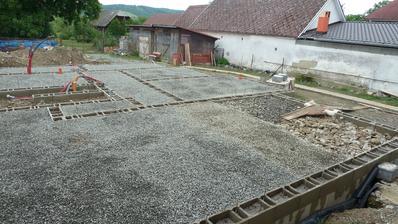 Návoz betónových sutín a makadamu