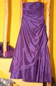 Štýlová kvalitná fialová róba Zaira 40/42 top stav, 40