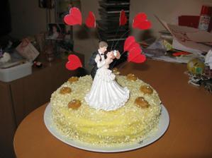 cvičný statební dort, na svatbu bude dvoupatrový