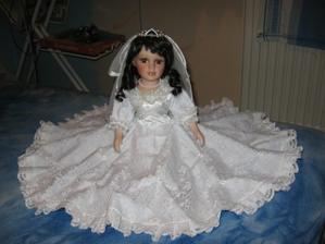 Spíchla jse šatičky pro panenku na auto