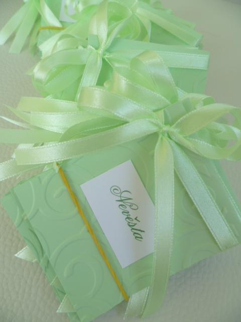 Dekorace na svatební den-zakázková tvorba - miny jmenovky na svatební stůl