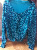 H&M svetrík s leopardím vzorom, M