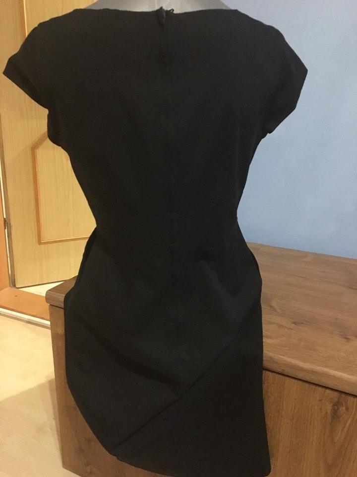 Čierne púzdrové šaty - HM - Obrázok č. 4