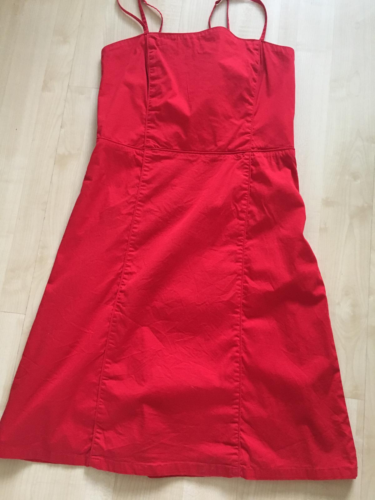 HM červené šaty - 40 - Obrázok č. 1