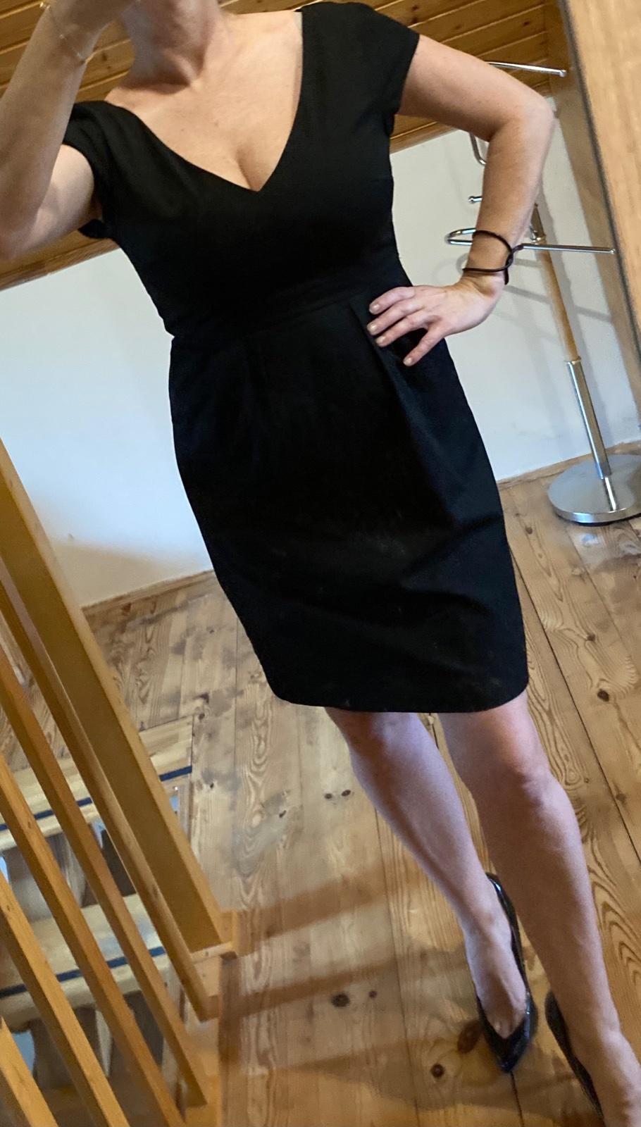 Čierne púzdrové šaty - HM - Obrázok č. 2