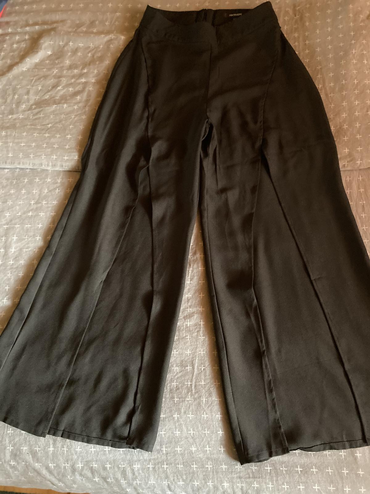 nohavice s vysokými rozparkami - Obrázok č. 1