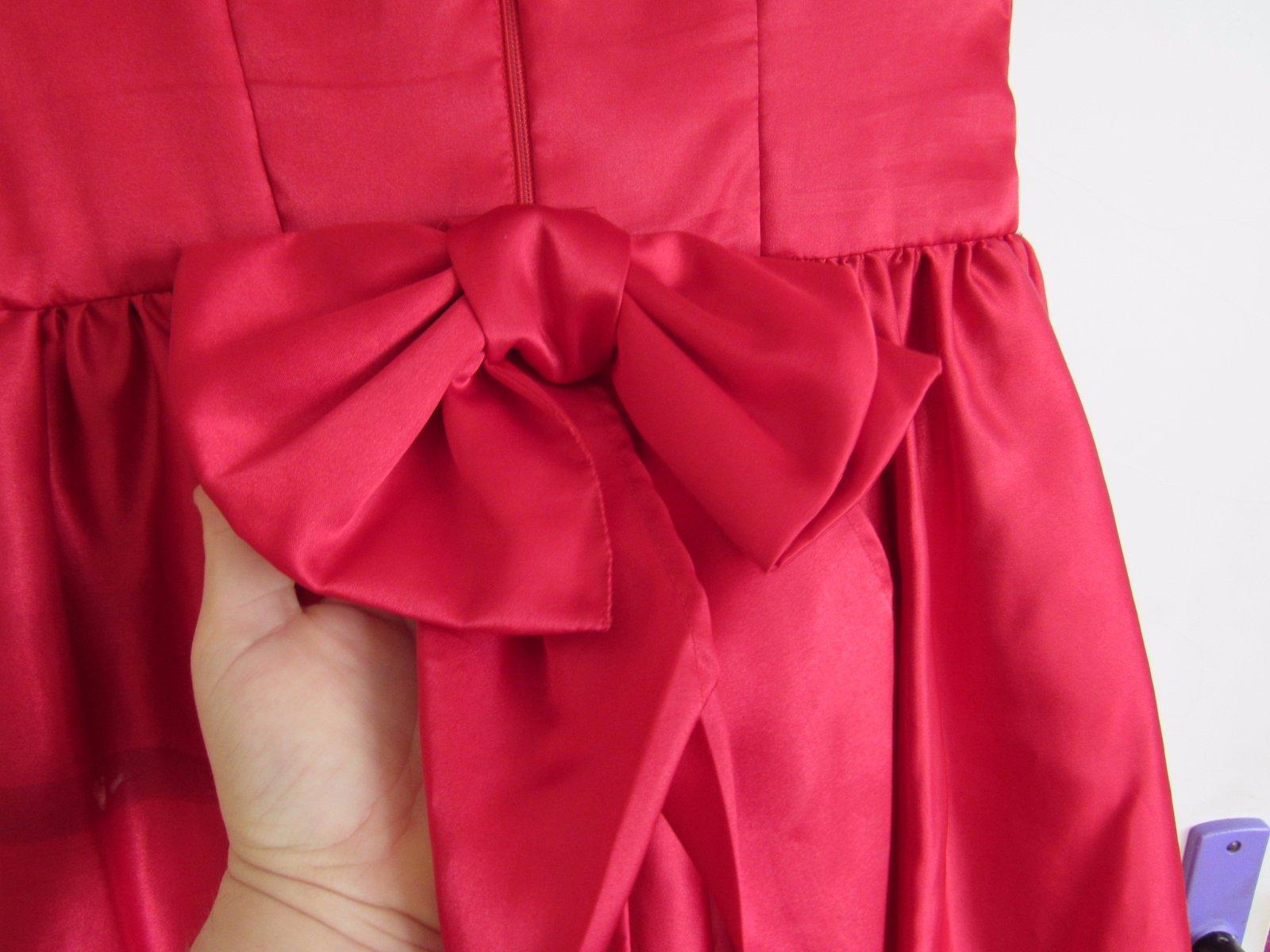 červené šaty - Obrázek č. 2
