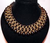 Čierno-zlatý mohutný náhrdelník,