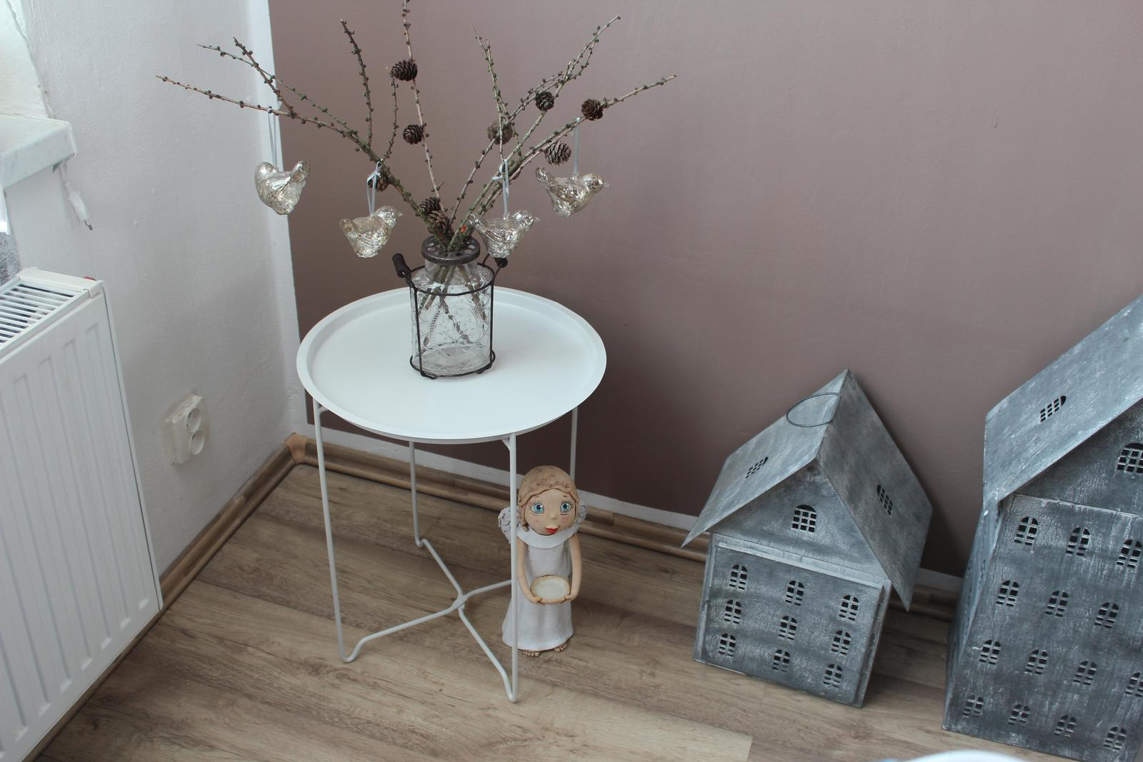 stolek - Obrázek č. 2
