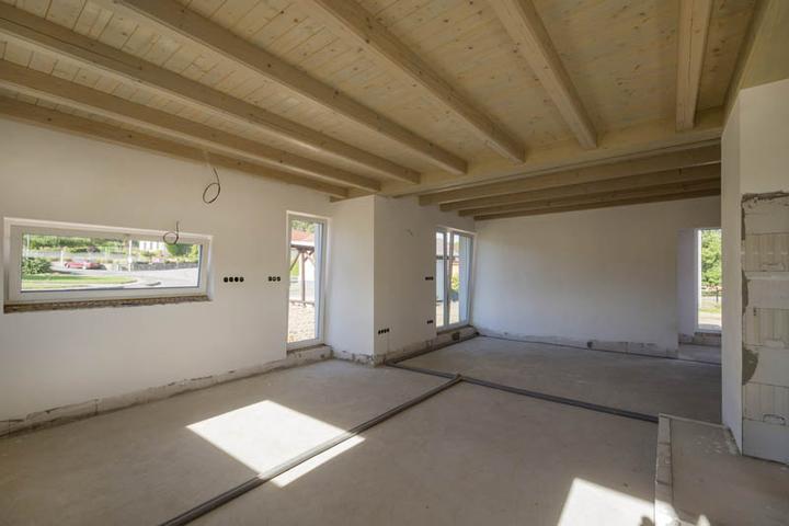 Atypický bungalov svojpomocne s rozpočtom do 37 000 eur - Priestor interiéru bude prepojený so záhradou francúzskymi oknami
