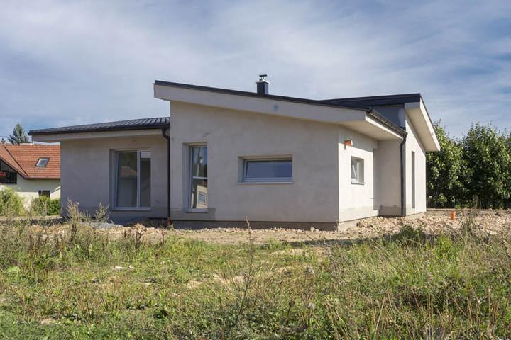 Atypický bungalov svojpomocne s rozpočtom do 37 000 eur - Atypický bungalov sa vošiel do rozpočtu 37 000 eur (1 milión českých korún)