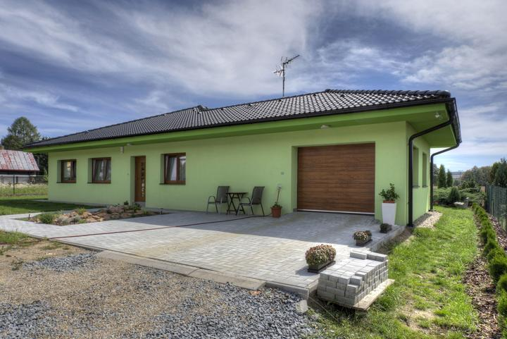 Dvojgeneračný bungalov svojpomocne za šesť mesiacov - Klasický bungalov je bezbariérový