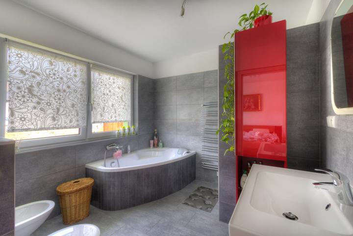 Dvojgeneračný bungalov svojpomocne za šesť mesiacov - Zariaďovacie prvky sa do Ytongu ľahko inštalujú