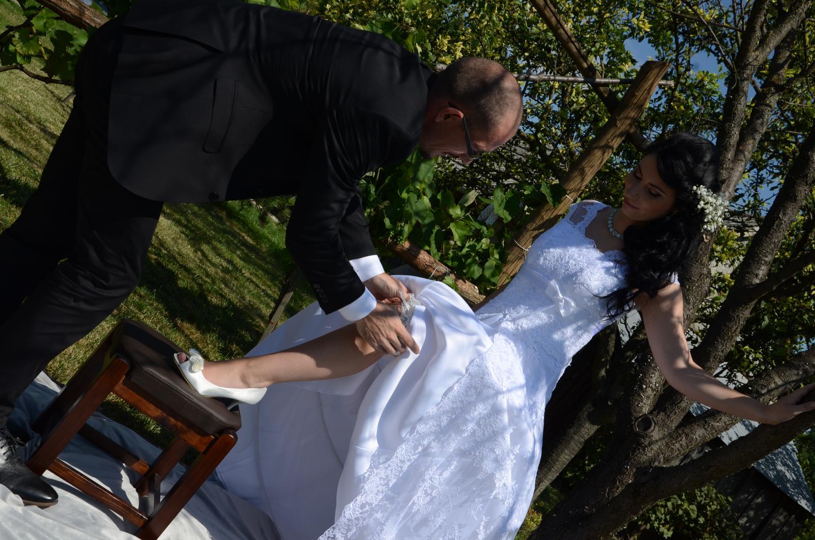čipkované svadobné šaty 36-40 - Obrázok č. 2