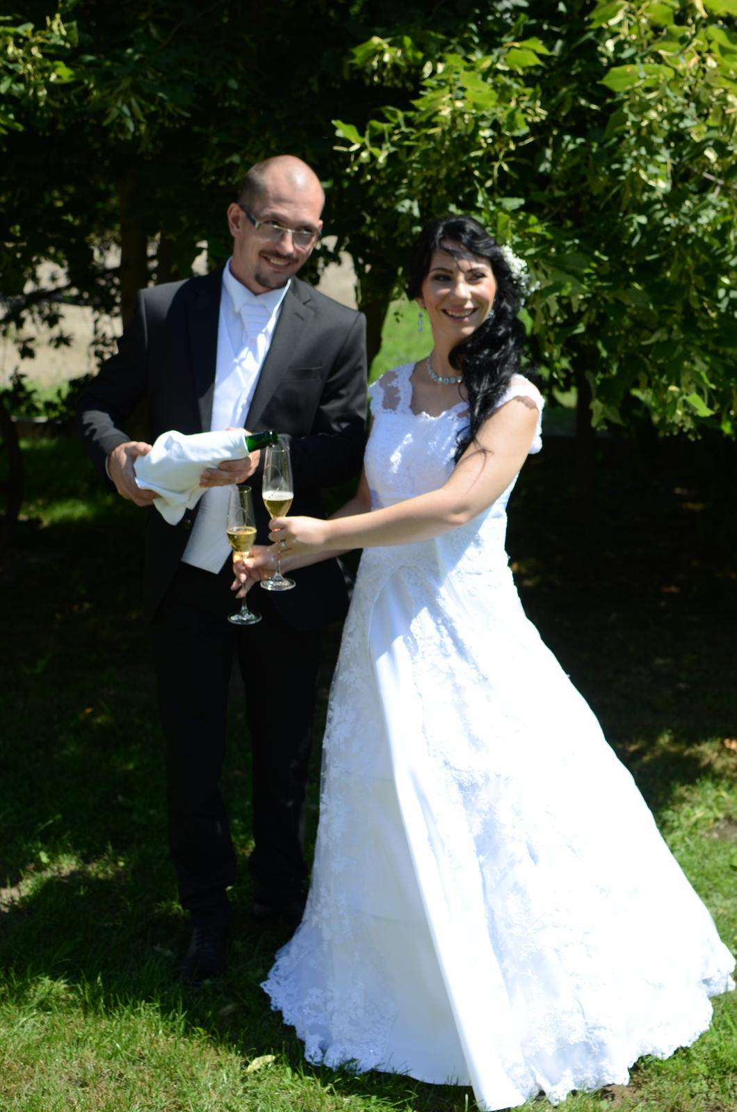čipkované svadobné šaty 36-40 - Obrázok č. 4