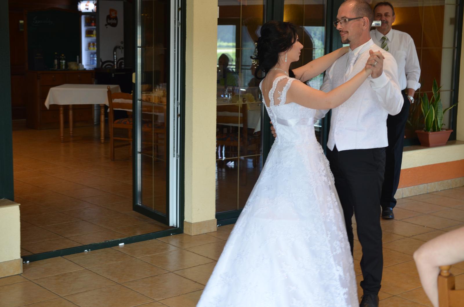 čipkované svadobné šaty 36-40 - Obrázok č. 3