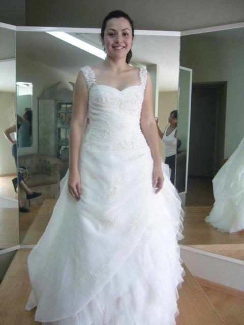 8.8.2009 - Moje šaty, už sú zajednané.
