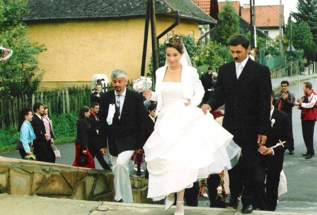 Julia Pastircakova{{_AND_}}Jozef Andrej - Príchod ku kostolíku