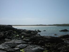 na plazi v pozadi jsme se zasnoubili - Irsko/duben 2006 (typicke-dosla nam baterka ve fotaku)