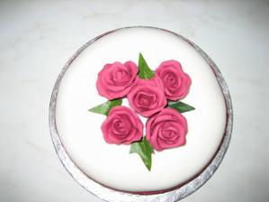 Anglicky svatebni Fruitcake,vydrzi klidne i rok