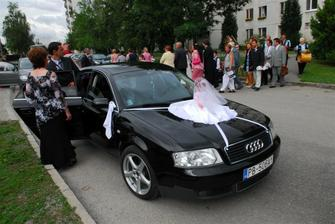 Nevestine auto
