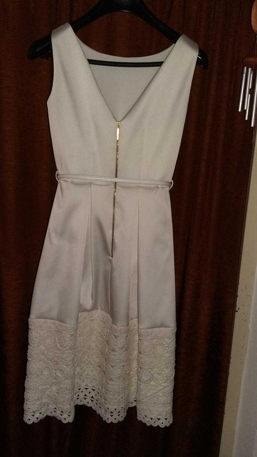 Biele saténové šaty zn. Closet - Obrázok č. 4
