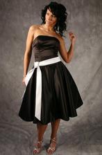 Popůlnoční šaty - samozřejmě v jiné barvě
