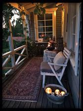 inspirace pro náš výklenek k severní terase, akorát manžel tam nebude mít okýnko ale dveře, moc se na to těší :-)
