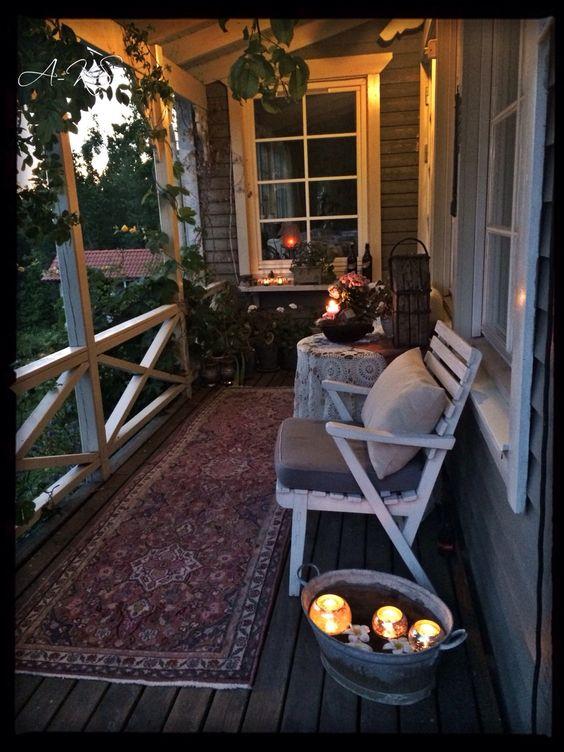 Vysněný malý domeček - inspirace pro náš výklenek k severní terase, akorát manžel tam nebude mít okýnko ale dveře, moc se na to těší :-)