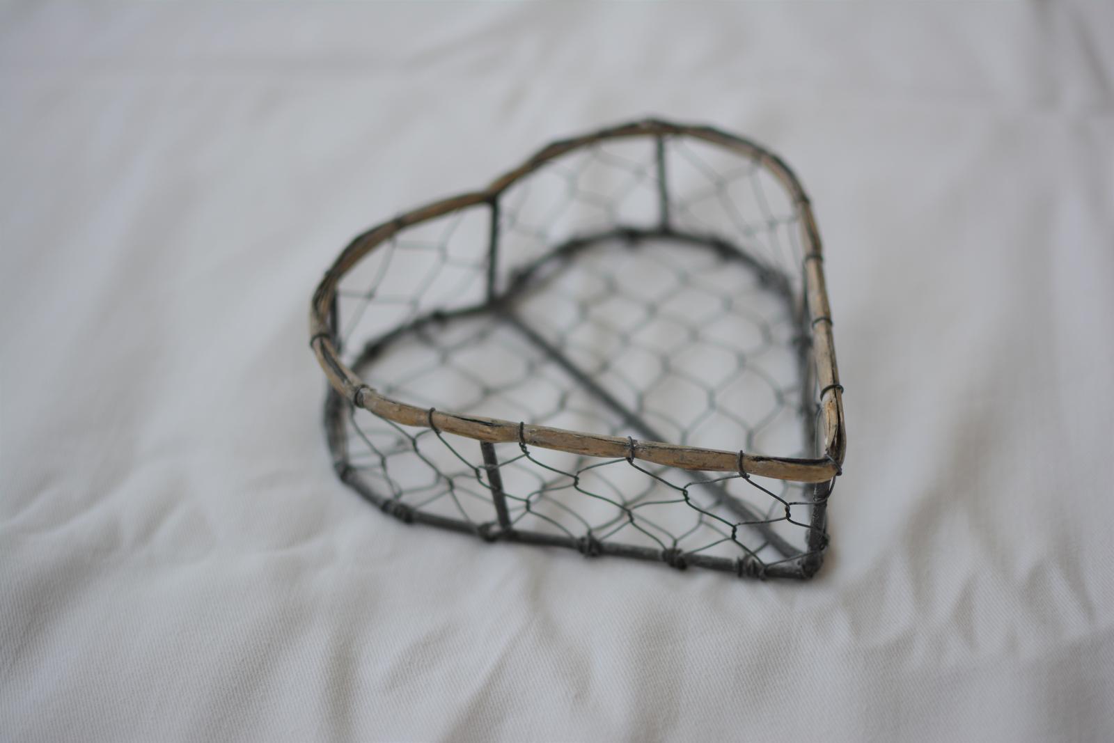 Kovová dekorácia v tvare srdca - Obrázok č. 1
