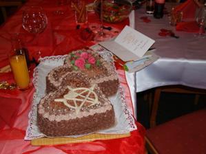 Všechny dorty nám pekla babička (maminka ženicha). :)