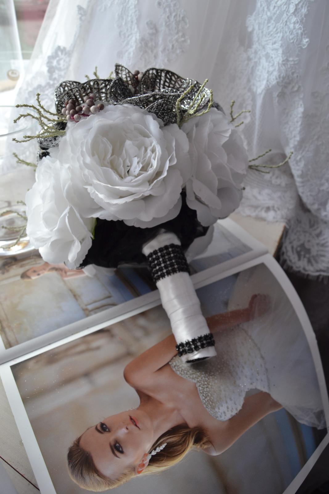 Látkové umělé svatební kytice-info - Obrázek č. 13