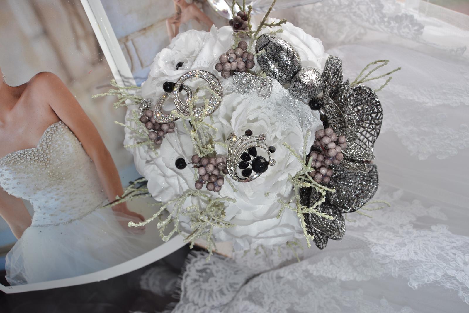 Látkové umělé svatební kytice-info - Obrázek č. 14