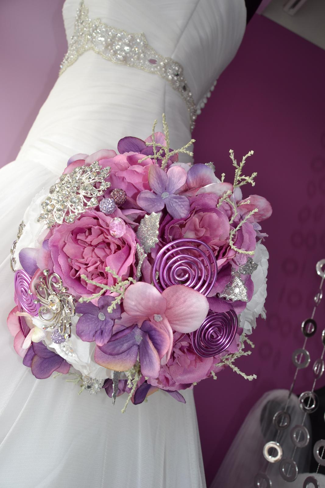 Látkové umělé svatební kytice-info - Obrázek č. 1