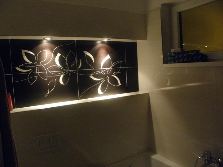 Pomaly dokončujeme... - detail na našu NIKU v kúpeľni...