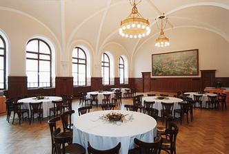 Svatební hostina bude v sálu Pilsner Urquell...