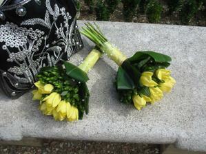 kytice pro svědkyni, maminky a babičky; bude ale ze žlutých růží