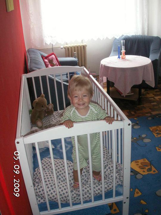 Království mojí princezny aneb jak se postupně měnil dětský pokojík - Barušky první  samostatný dětský pokojík v jednom roce