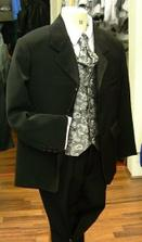 Tadeáškův oblek celý