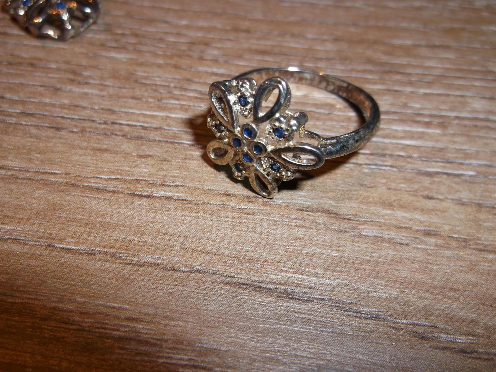 Náhrdelník, náramok, prsteň a náušnice - Obrázok č. 4