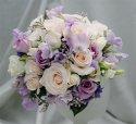 tak nakonec ne orchidejky ale růže s frézijemi