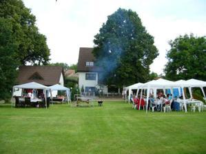 Odpoledne jsme měli zahradní párty, která byla super