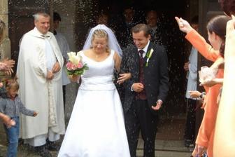 A rýže byla úplně všude...a vydržela tam až do svatební noci :-)