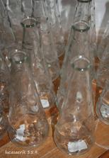na slivovičku pro každého jedna malá lahvinka..ještě musím dodělat štítky (ikea 12kč/ks)